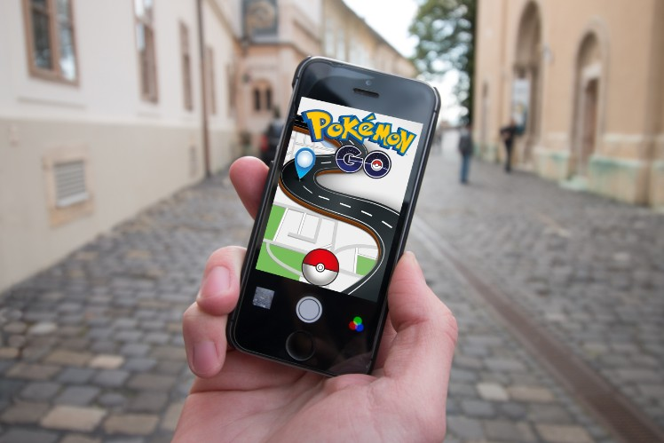 Pokemon Go in the street - develop an app
