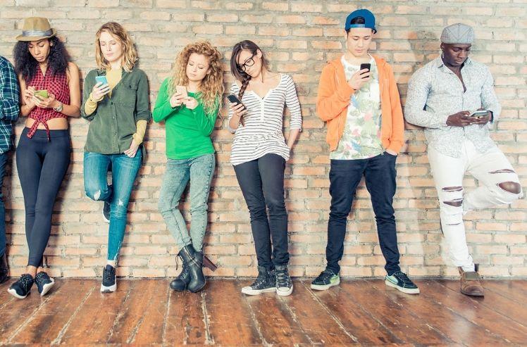 generation z on their smartphones- mobile app trends