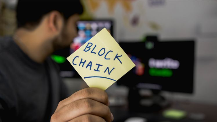post-it - blockchain marketing