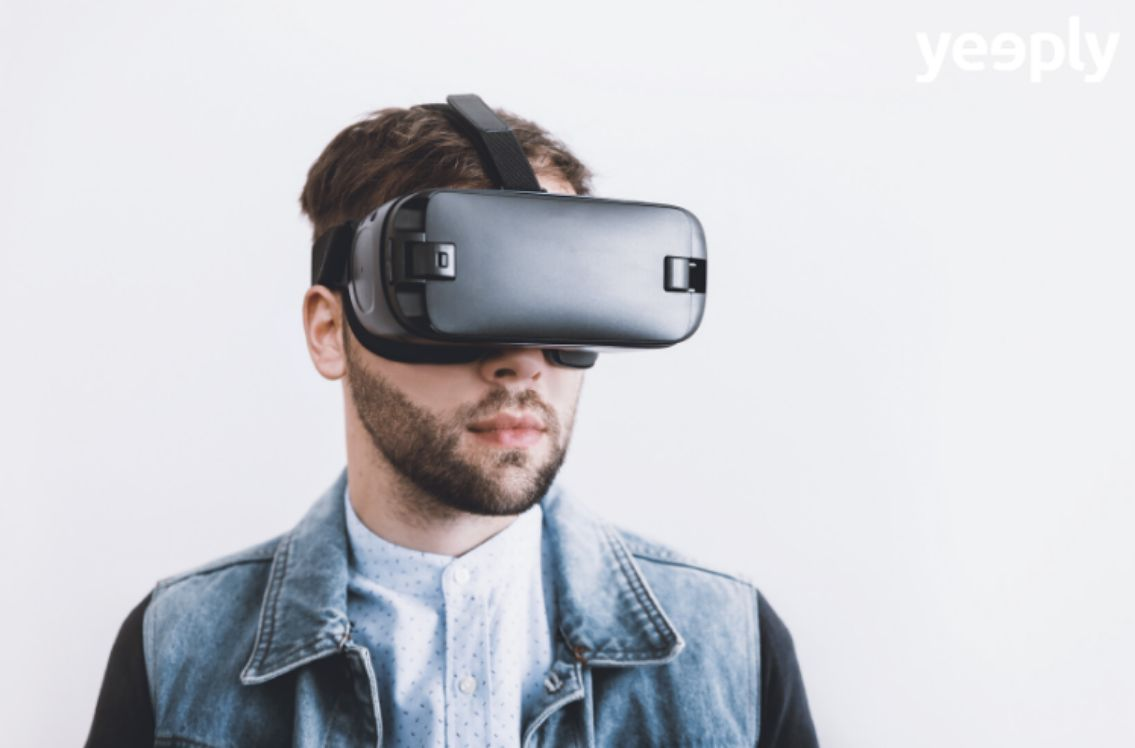 What is the difference between Virtual Reality, Augmented Reality and Mixed Reality?
